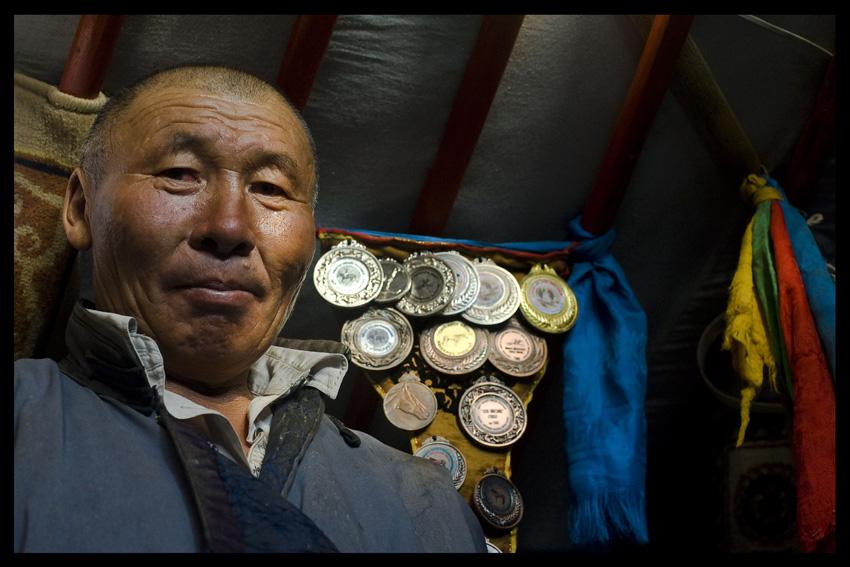 Nomades en terre de gobi mongolie photographe for Un jeu de miroir sohrab khan